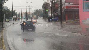 Καιρός: Βροχή τα… προβλήματα! Διακοπή κυκλοφορίας στην Πειραιώς, διακοπές ρεύματος και απεγκλωβισμοί [pics, vids]