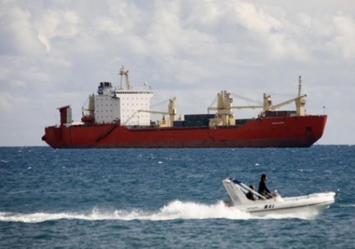 Μυστήριο με το πλοίο που πηγαινοέρχεται στη Μεσόγειο και φέρεται να μεταφέρει όπλα στη Συρία | Newsit.gr