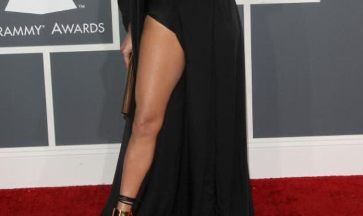 J. Lopez: Το… πόδι που έκοψε την ανάσα στα Grammys! Φωτογραφίες | Newsit.gr