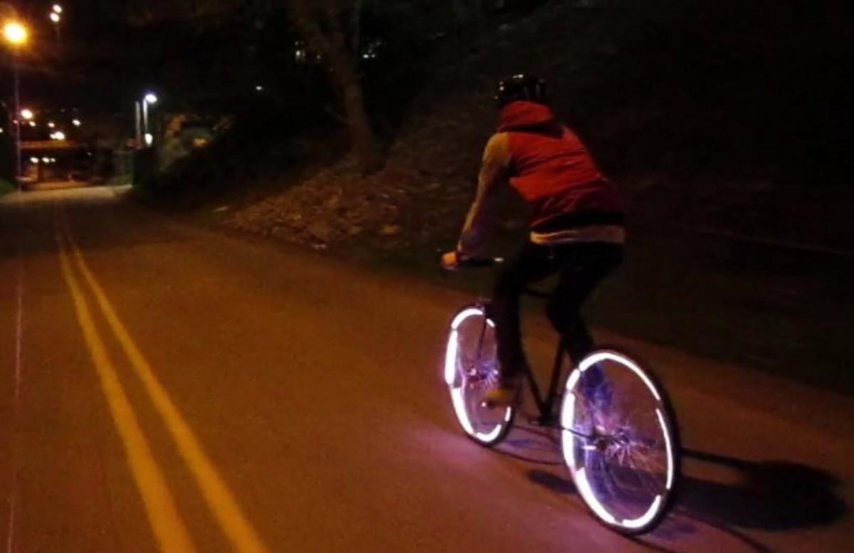 Άρτα: Παρέσυρε με το αυτοκίνητο δύο ποδηλάτες – Ένας νεκρός | Newsit.gr
