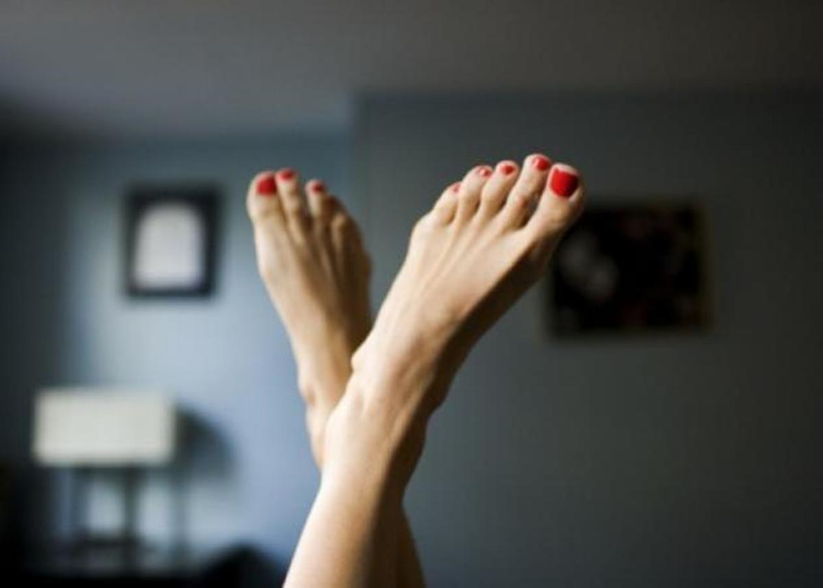 Πόσες από εσάς έχετε καταστρέψει το πεντικιούρ σας επειδή φορέσατε παπούτσια μετά από ωωωωρες;   Newsit.gr