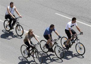 Εργαζόμενοι στον Ηλεκτρικό, το Μετρό και το Τράμ κυκλοφορούν με …ποδήλατα!