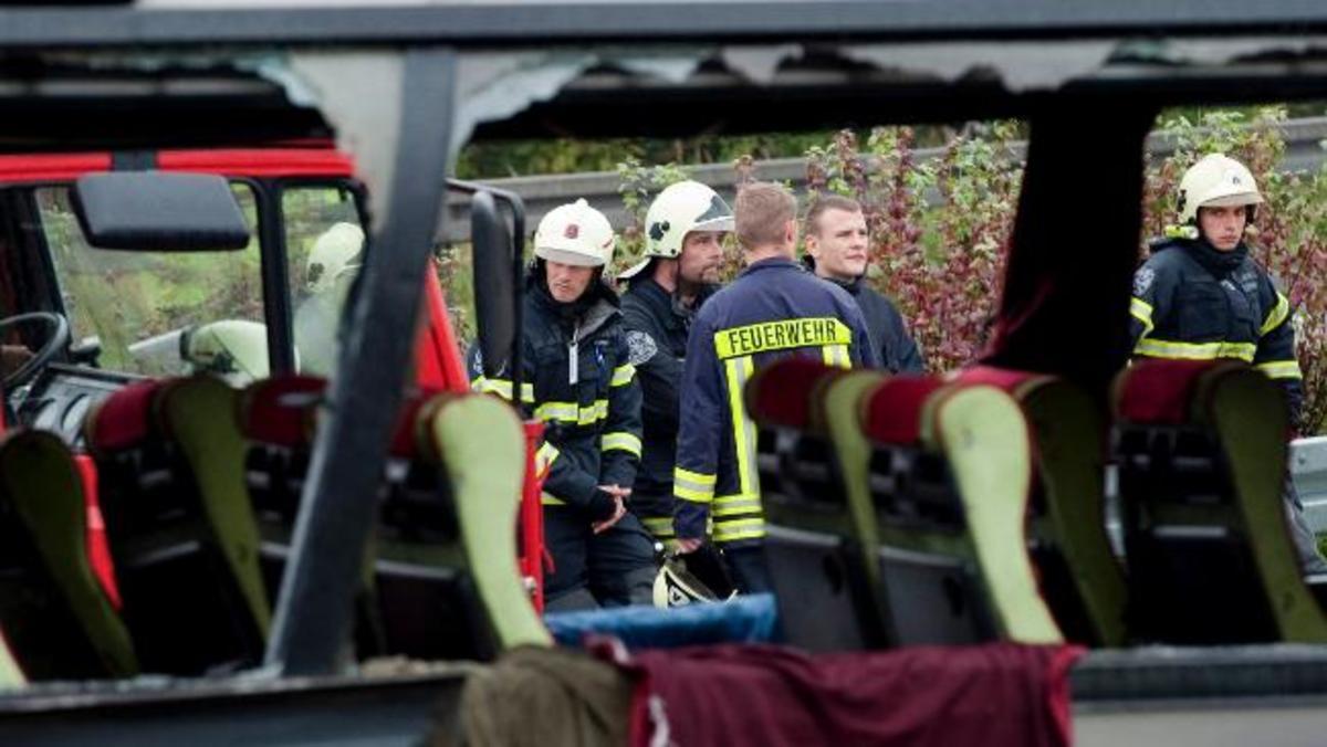 Σφοδρή σύγκρουση λεωφορείου με φορτηγό – Πάνω απο 20 τραυματίες | Newsit.gr
