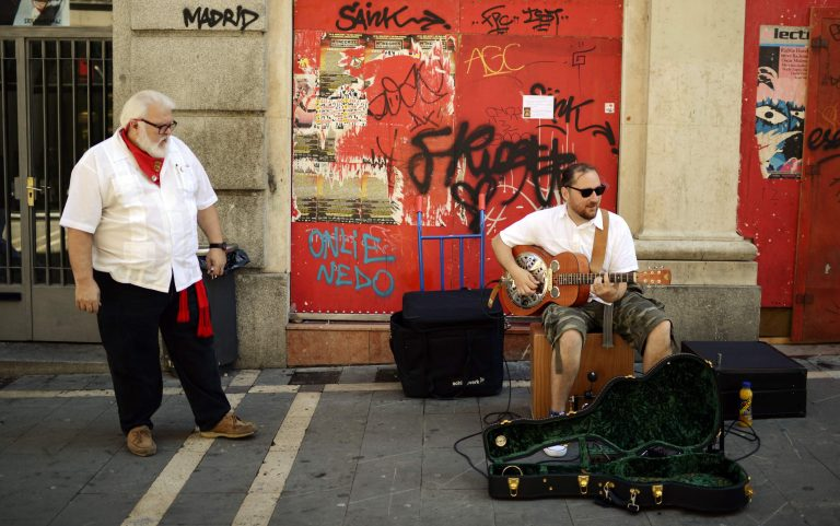 Οργανώνουν μόνοι τους τις διακοπές γιατί τα πρακτορεία κήρυξαν πτώχευση! | Newsit.gr