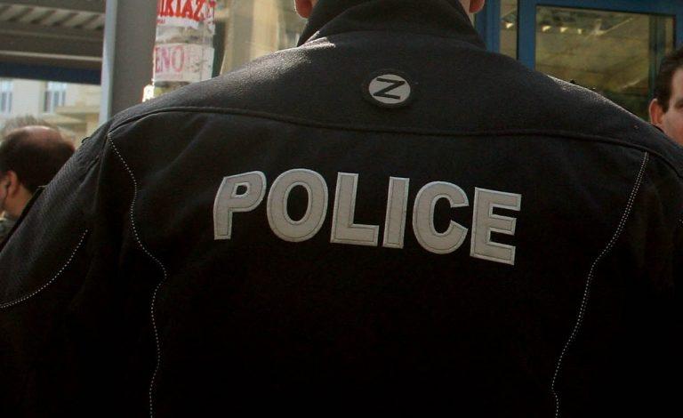 Θεσσαλονίκη:Ο κλέφτης φορούσε μπουφάν της αστυνομίας   Newsit.gr