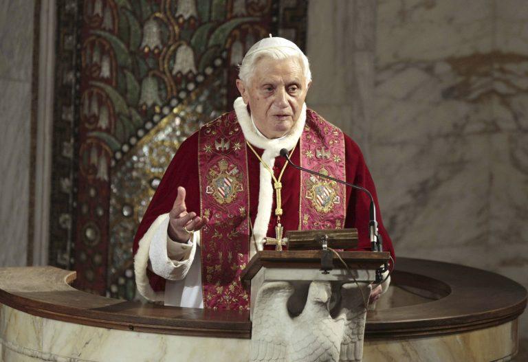 Σε κλοιό αποκαλύψεων και ο Πάπας | Newsit.gr