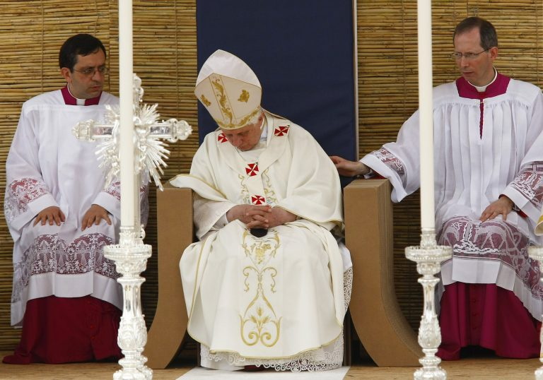 Πάπας: «Ντροπή και θλίψη» | Newsit.gr