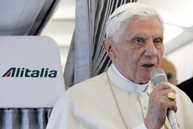 Ο Πάπας θα… τουιτάρει | Newsit.gr