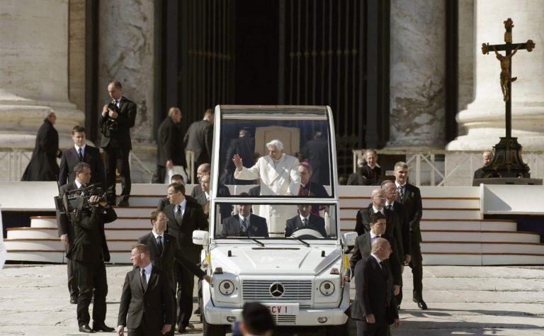 «Βούλιαξε» το Βατικανό στην τελευταία ακρόαση του Πάπα (ΦΩΤΟ)   Newsit.gr