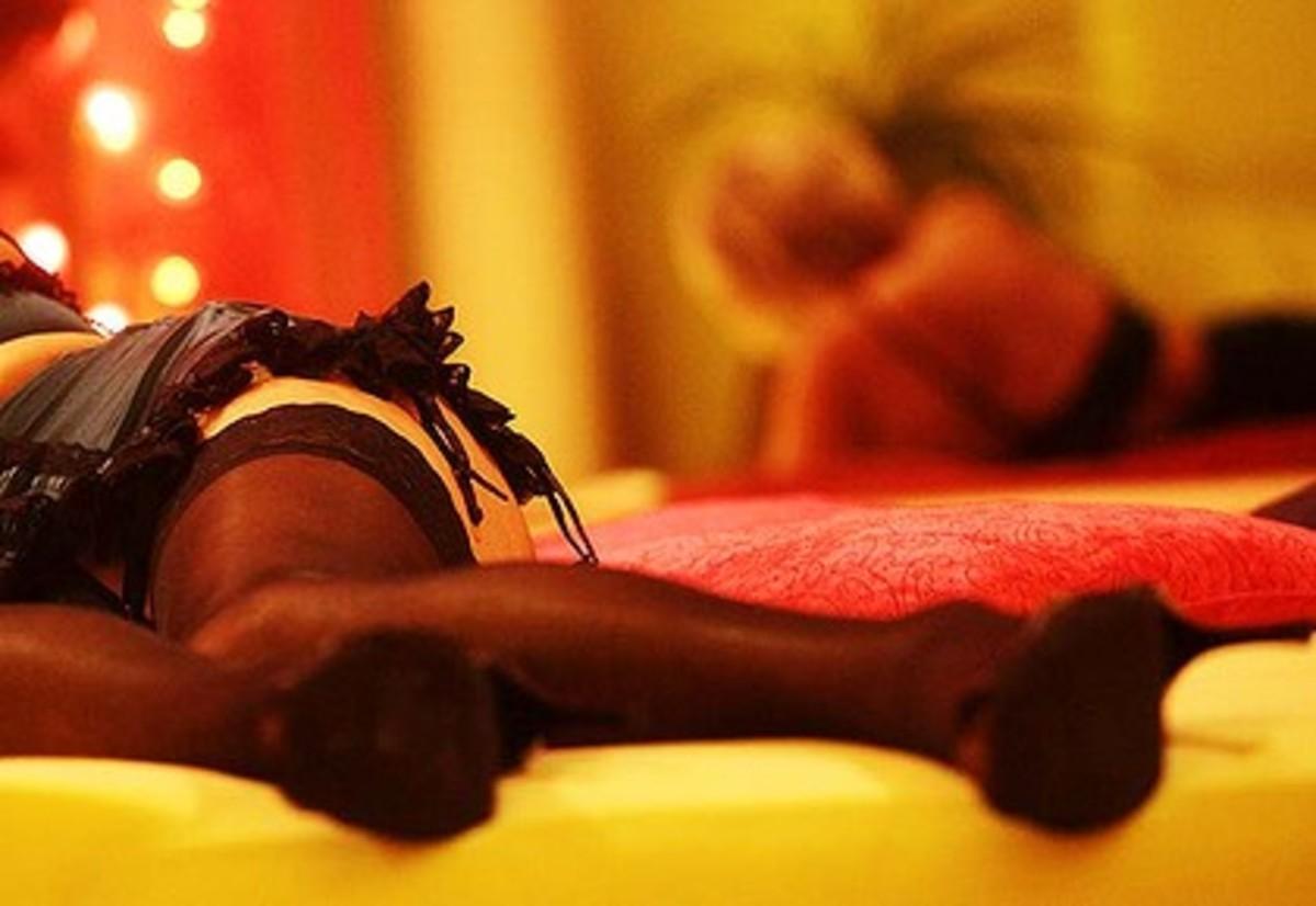 Θρίλερ με τις ιερόδουλες που σκορπούσαν το AIDS – Εκατοντάδες τηλέφωνα στο ΚΕΕΛΠΝΟ από άτομα που ήρθαν σε ερωτική επαφή μαζί τους | Newsit.gr