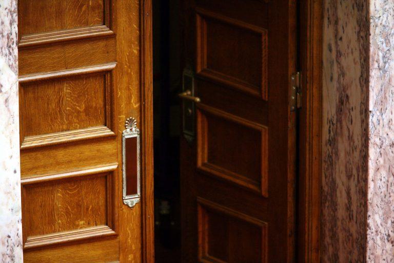 Θεσσαλονίκη: Συμμορία με ειδικότητα στις… θωρακισμένες πόρτες | Newsit.gr
