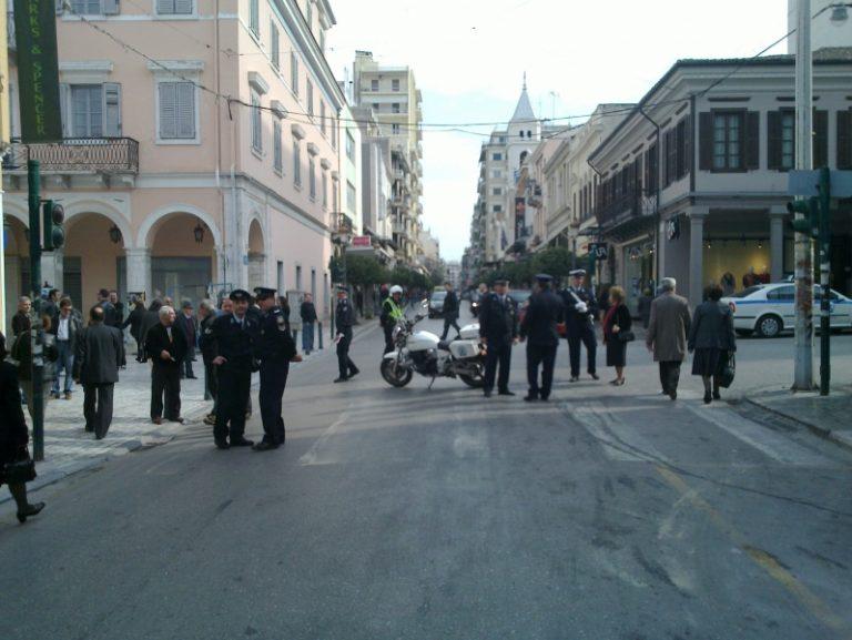 Πάτρα: Πήραν στο κυνήγι τους αστυνομικούς με νεράτζια και τασάκια!   Newsit.gr