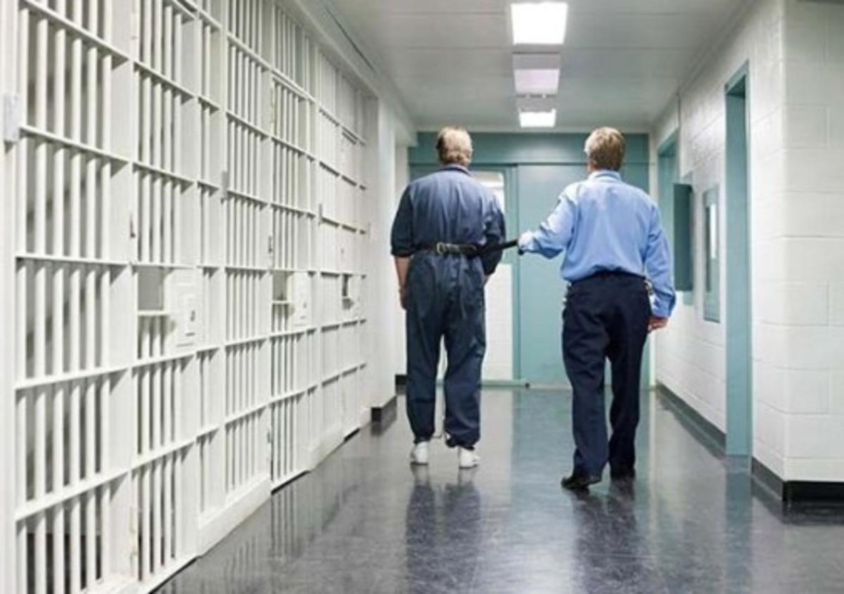 Έκαναν ηλεκτροσοκ σε ύποπτο για να ομολογήσει κλοπή | Newsit.gr