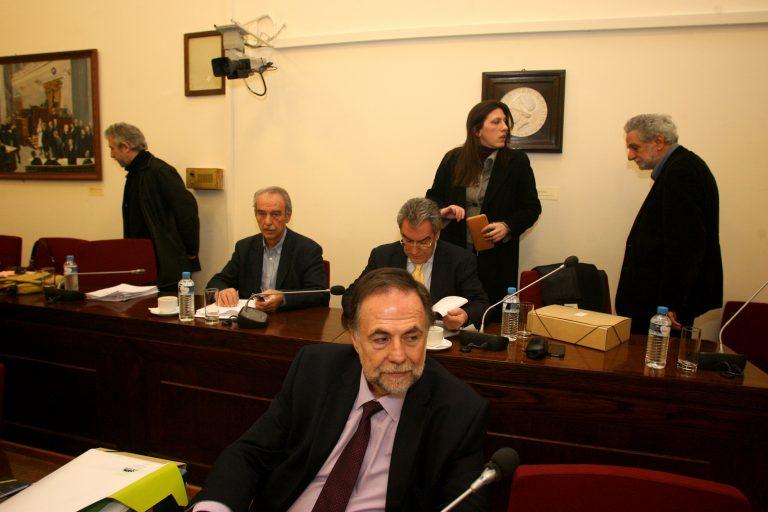 Οι στενοί συνεργάτες του Παπακωνσταντίνου καταθέτουν στην Προανακριτική | Newsit.gr