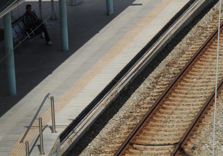 Έκλεψε χαλκοσωλήνες από τον Προαστιακό   Newsit.gr