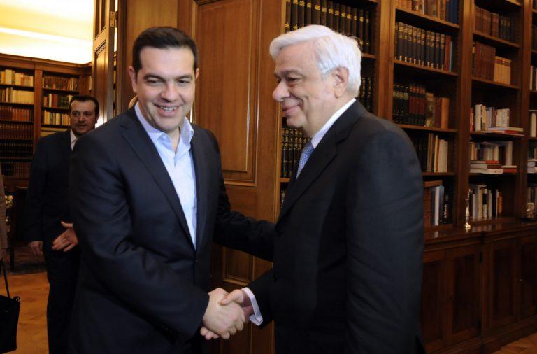 Παρέμβαση Παυλόπουλου – Τηλεφώνησε στον Αυστριακό ομόλογό του: Τηρήστε τις δεσμεύσεις σας – Τι απάντησε ο Τσίπρας για πιθανές μονομερείς ενέργειες | Newsit.gr