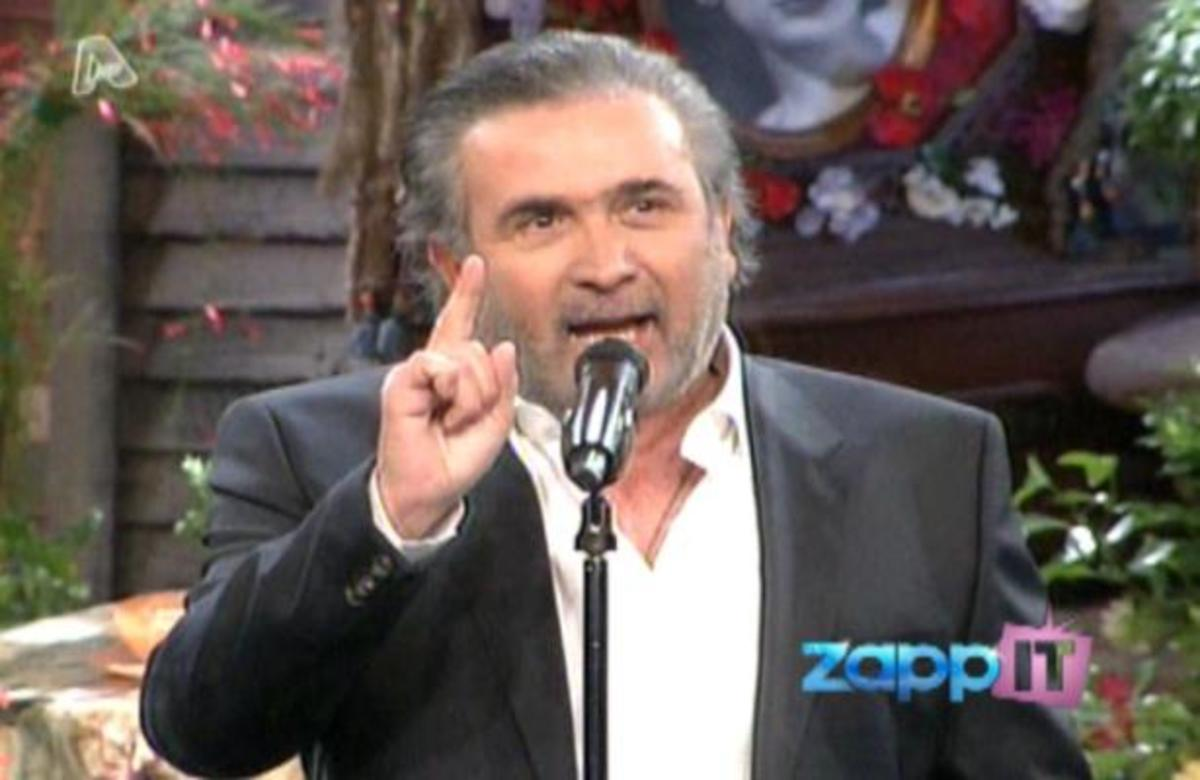 O Λάκης σχολιάζει την αντίδραση Παυλόπουλου και Παπαδάκη την ώρα της επίθεσης του Κασιδιάρη | Newsit.gr