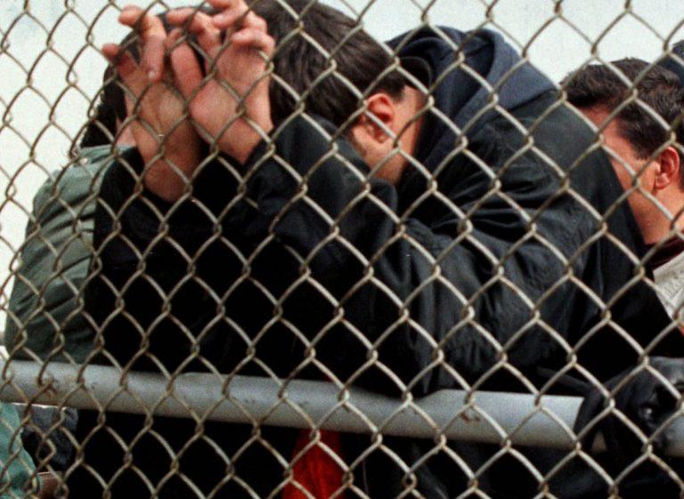 Έφυγαν οι πρώτοι 177 πρόσφυγες που θα επανενωθούν με τις οικογένειές τους | Newsit.gr