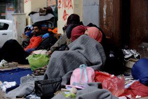 «Πόλεμος» ανακοινώσεων ΝΔ – ΣΥΡΙΖΑ για το προσφυγικό – «Λύστε τα προβλήματα πριν μπει ο χειμώνας»