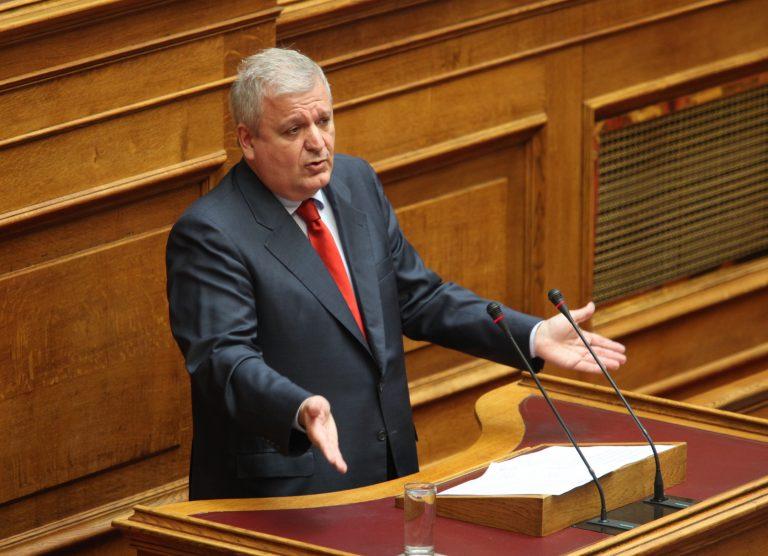 Επίθεση Πρωτόπαπα σε Στουρνάρα   Newsit.gr
