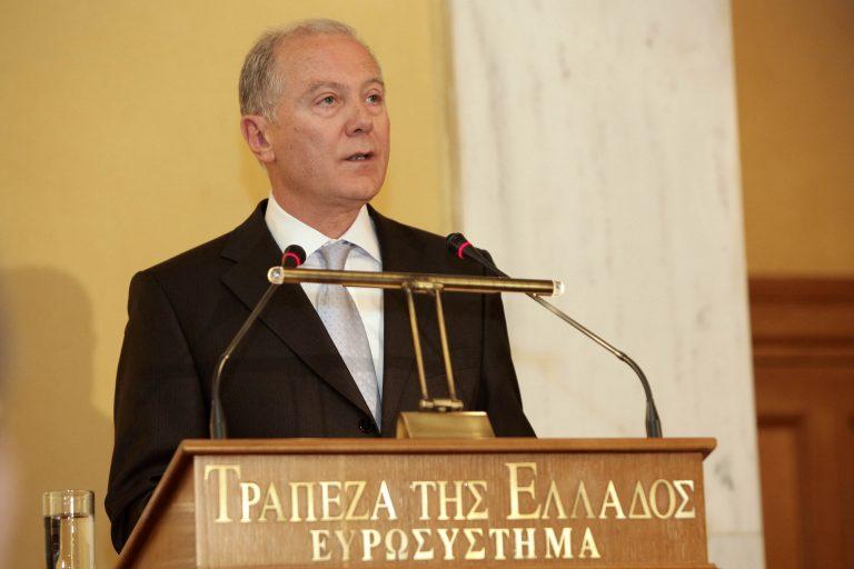 Διοικητής Τράπεζας της Ελλάδας : Καταστροφική μία αναδιάρθρωση | Newsit.gr
