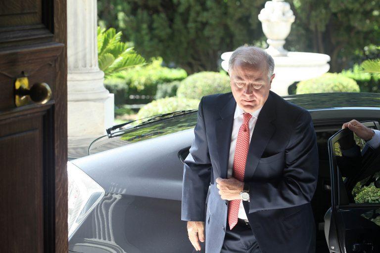 Μείωση του μισθού του κατά 30% αποφάσισε ο Γ. Προβόπουλος | Newsit.gr