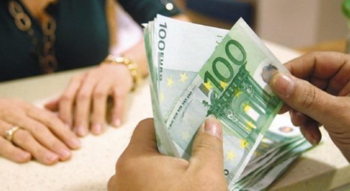 Έρχονται μειώσεις μισθών εως 25% στον ιδιωτικό τομέα   Newsit.gr