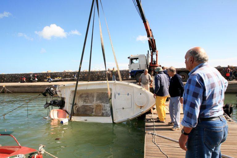 Κορινθιακός: Αγωνία για ερασιτέχνη ψαρά | Newsit.gr