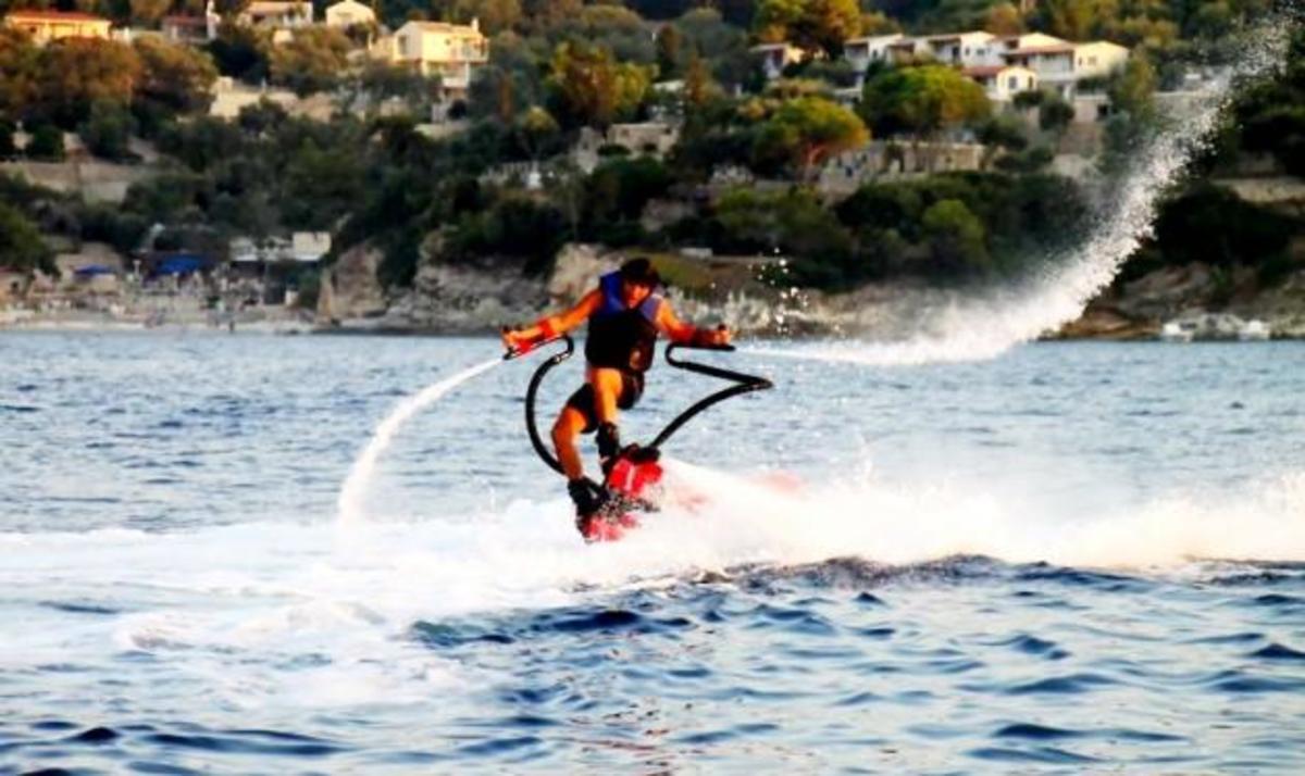 O Ηλίας Ψινάκης πετάει! Δες φωτογραφίες από τo extreme sport που έκανε! | Newsit.gr