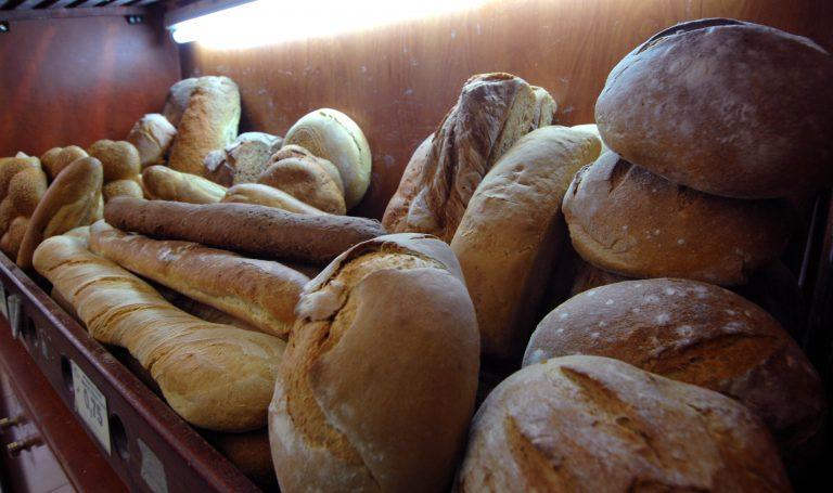 Θεσσαλονίκη: Ψωμί για 3 μέρες θα προμηθευτούν οι καταναλωτές το Μ. Σάββατο | Newsit.gr