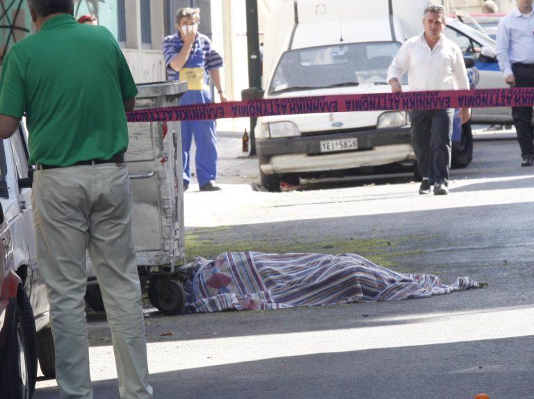Δολοφονία μυστήριο – Πτώμα με μια μαχαιριά στο στήθος μέσα σε διαμέρισμα   Newsit.gr