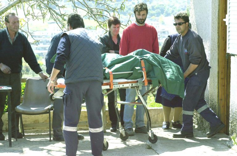 Εύβοια:Συγκλονίζει ο σπαραγμός του παιδιού, που βρήκε νεκρό τον πατέρα του!   Newsit.gr