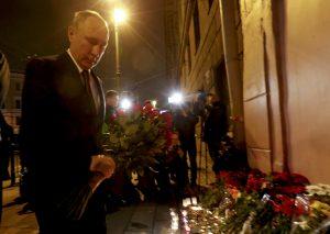 Αγία Πετρούπολη: Στο σημείο της τραγωδίας ο Βλαντιμίρ Πούτιν [vid, pics]
