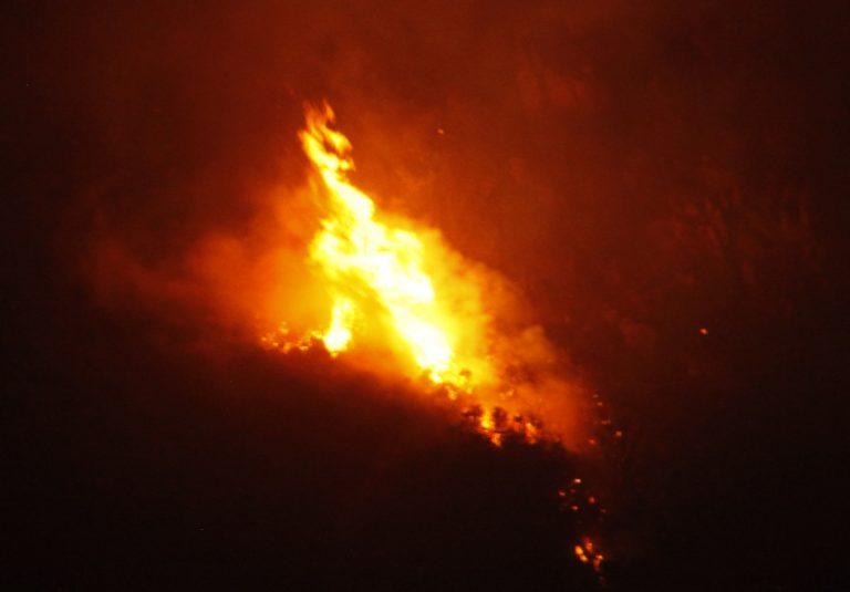 Καίγεται η νότια Κρήτη – Εμπρησμό «βλέπει» η Πυροσβεστική | Newsit.gr