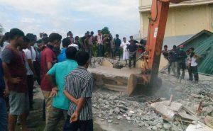 Φονικός σεισμός στην Ινδονησία – Στην περιοχή που είχε χτυπήσει το τσουνάμι του 2004 [pics]