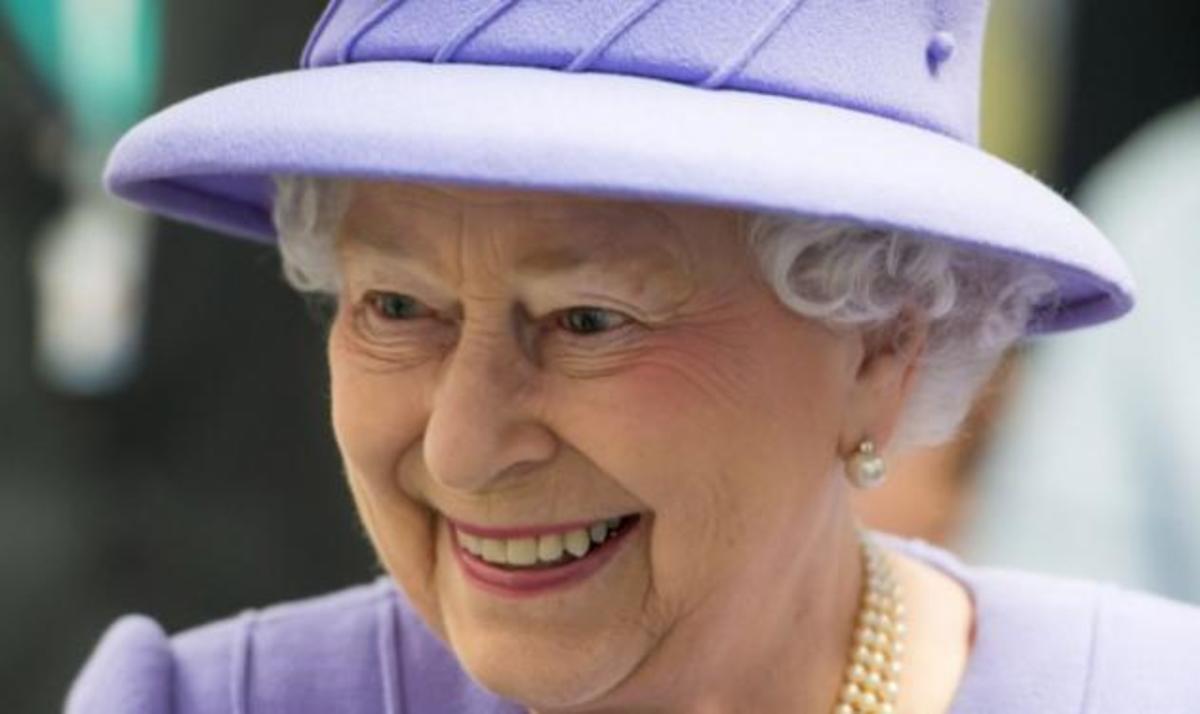 Εσπευσμένα στο νοσοκομείο η βασίλισσα Ελισάβετ! Πόσο κρίσιμη είναι η κατάσταση της; | Newsit.gr