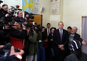 Νικητής των προεδρικών εκλογών στη Βουλγαρία ο Σοσιαλιστής Ράντεφ