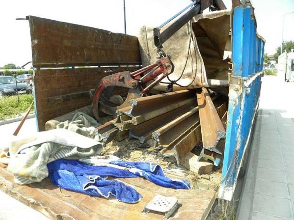 Αχαΐα: Ρήμαξαν οικόπεδο του ΟΣΕ – «Ξήλωσαν» σίδερα βάρους 6 τόνων!   Newsit.gr