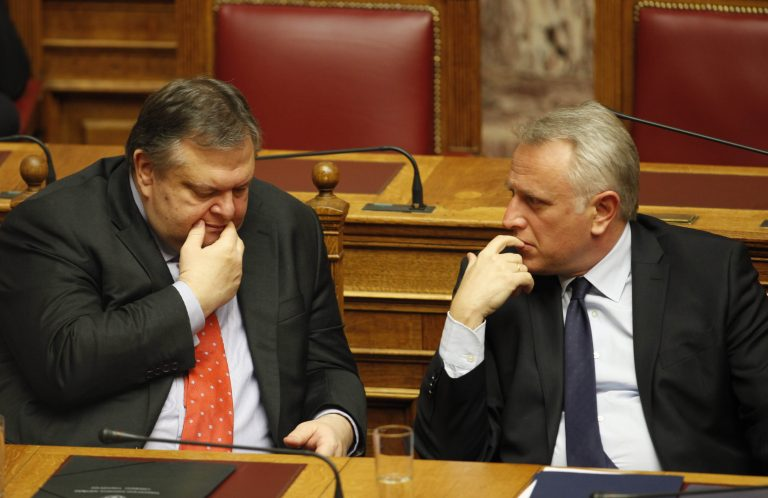 Το υπουργικό κλειδώνει την απελευθέρωση στις μεταφορές | Newsit.gr