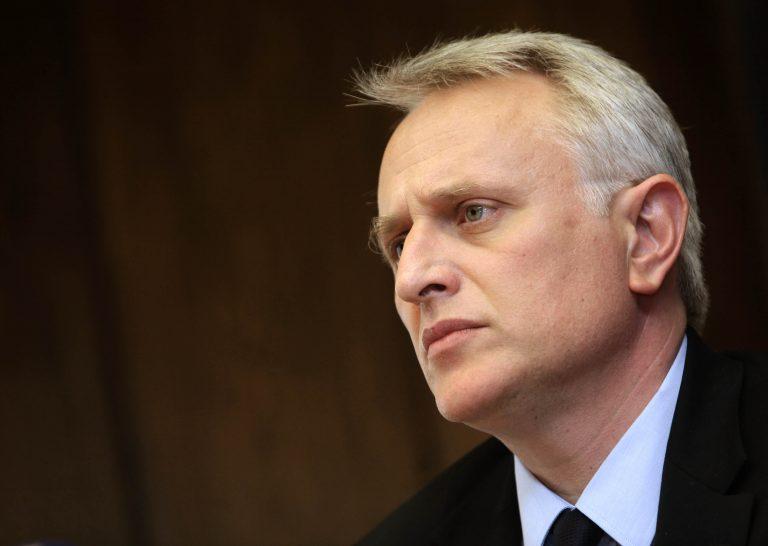 Κόβουν μισθούς και επιδόματα αλλά στα κόμματα έκοψαν ΜΟΝΟ το 20% της χρηματοδότησης | Newsit.gr