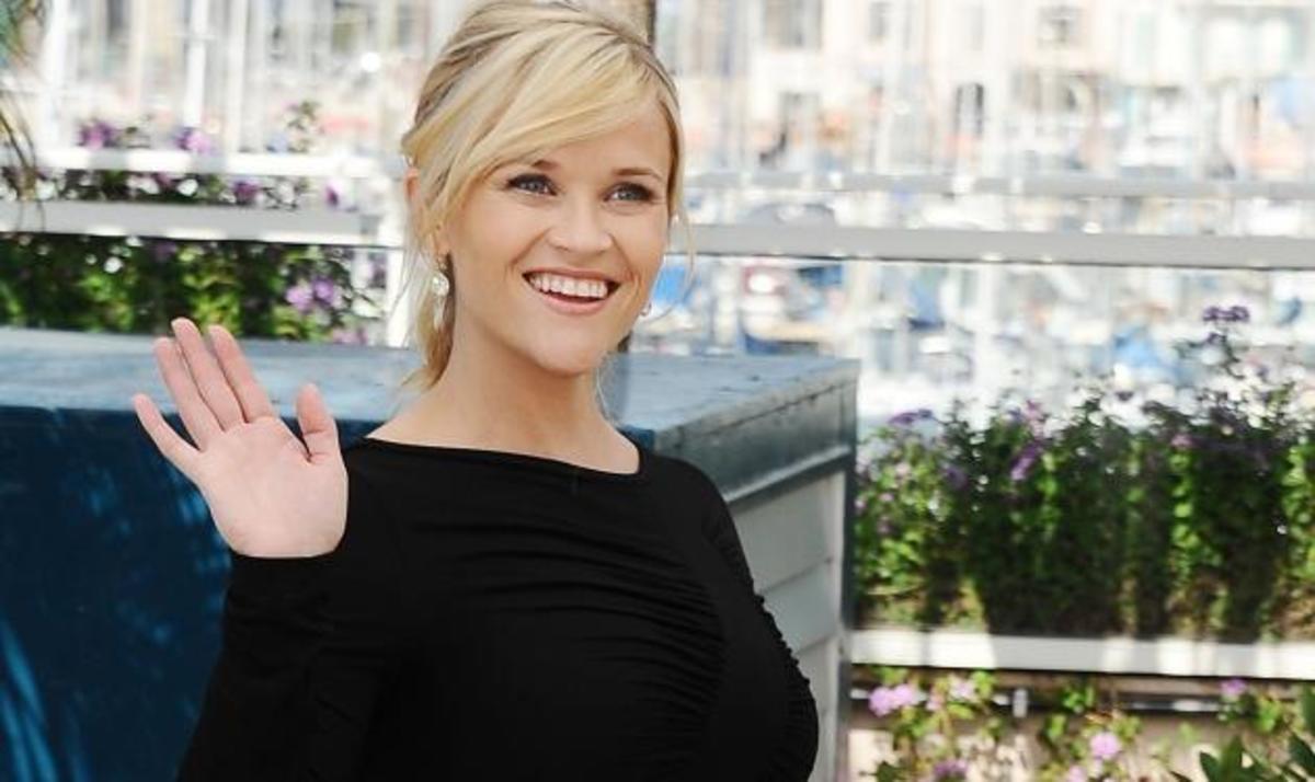 R. Witherspoon: Με φουσκωμένη κοιλίτσα και ψηλοτάκουνα στις Κάννες! Δες φωτογραφίες | Newsit.gr