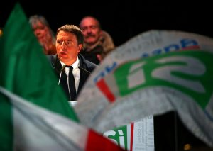 """Δημοψήφισμα Ιταλία: """"Si"""" ή """"arrivederci""""; Σήμερα κρίνονται όλα, άνοιξαν οι κάλπες!"""