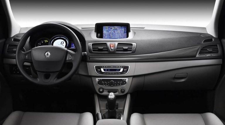 Ανακαλούνται αυτοκίνητα Renault | Newsit.gr