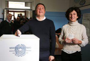 Δημοψήφισμα Ιταλία: Ψήφισε ο Ρέντσι – Μεγάλη συμμετοχή! [pics]
