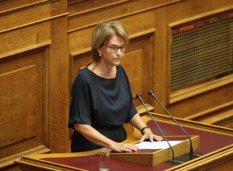 Επίθεση της Ρεπούση στους χρυσαυγίτες βουλευτές | Newsit.gr