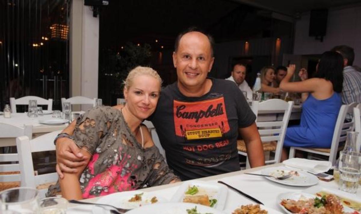 Καλοκαιρινές βραδιές πλάι στο κύμα για τους celebrities! Δες φωτογραφίες | Newsit.gr