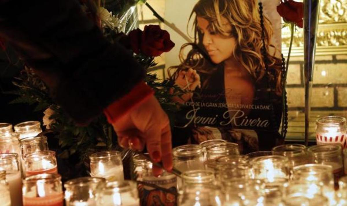 Σκοτώθηκε σε αεροπορικό δυστύχημα γνωστή τραγουδίστρια | Newsit.gr