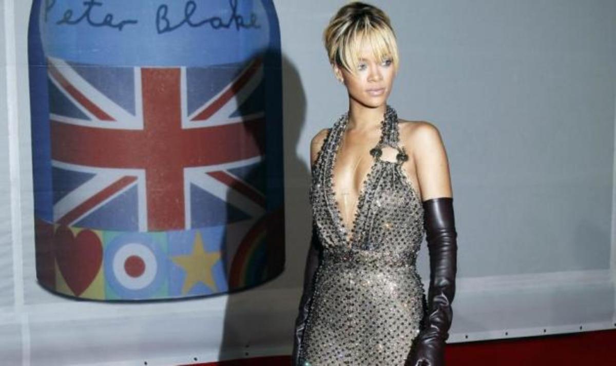 Δες την Rihanna χωρίς ίχνος μακιγιάζ! Φωτογραφίες και video   Newsit.gr