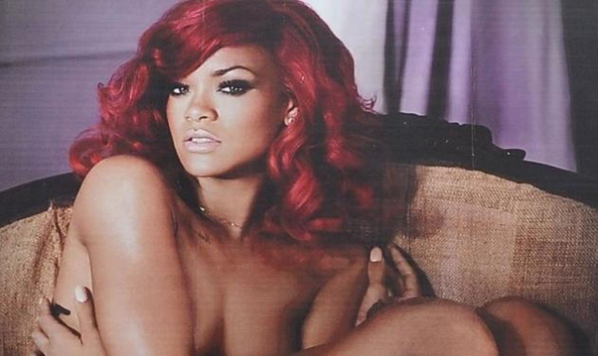 Η γυμνή αφίσα της Rihanna αναστατώνει την Times Square! | Newsit.gr