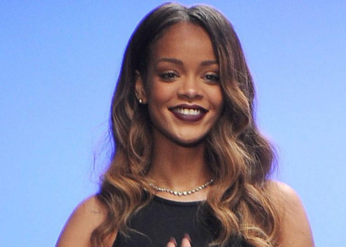 Η Rihanna συνεργάζεται με τα MAC! Plus: ποιο είναι το νέο κραγιόν που πρέπει όλες να αποκτήσουμε!   Newsit.gr